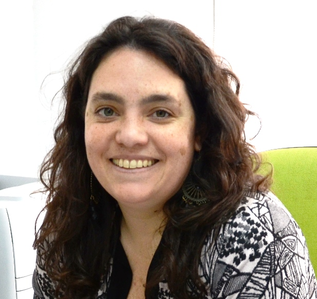 Entrevista a Laura Penacca: Brecha Digital y Programas de Inclusión Tecnológica en AméricaLatina