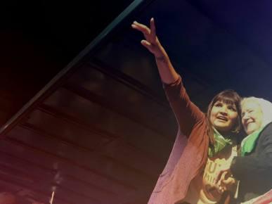 Georgina Orellano con Nora Cortiñas el 3 de junio tras orquestar la agresión a Margarita Meira