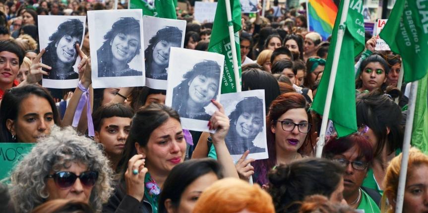 Lucía Pérez replicada en miles contra la justiciamisógina