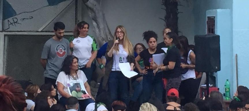 Graciela Agudo y Marta Montero en la asamblea de CABA